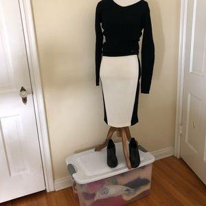 NWT Intermix black& cream spandex skirt size S